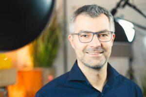 Tobias Theel ist Innoversitätsdirektor und hat die Innoversität 2016 in Berlin gegründet.